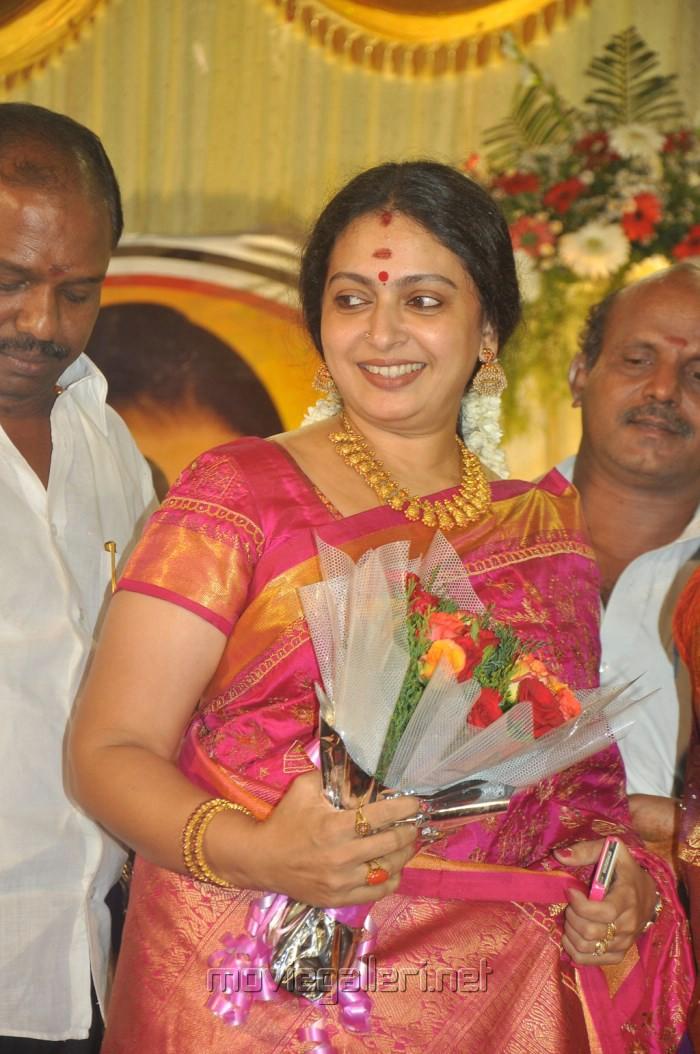 actress seetha at senthil son wedding reception photos