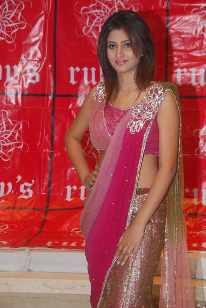 Bollywood Celebrity Baby Shamili Stills Gallery Shamili Baby Shamili ...