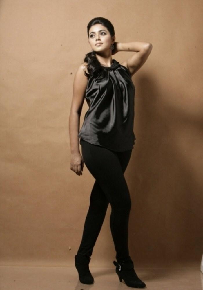 Shamna Kasim Hot Photo Shoot Stills