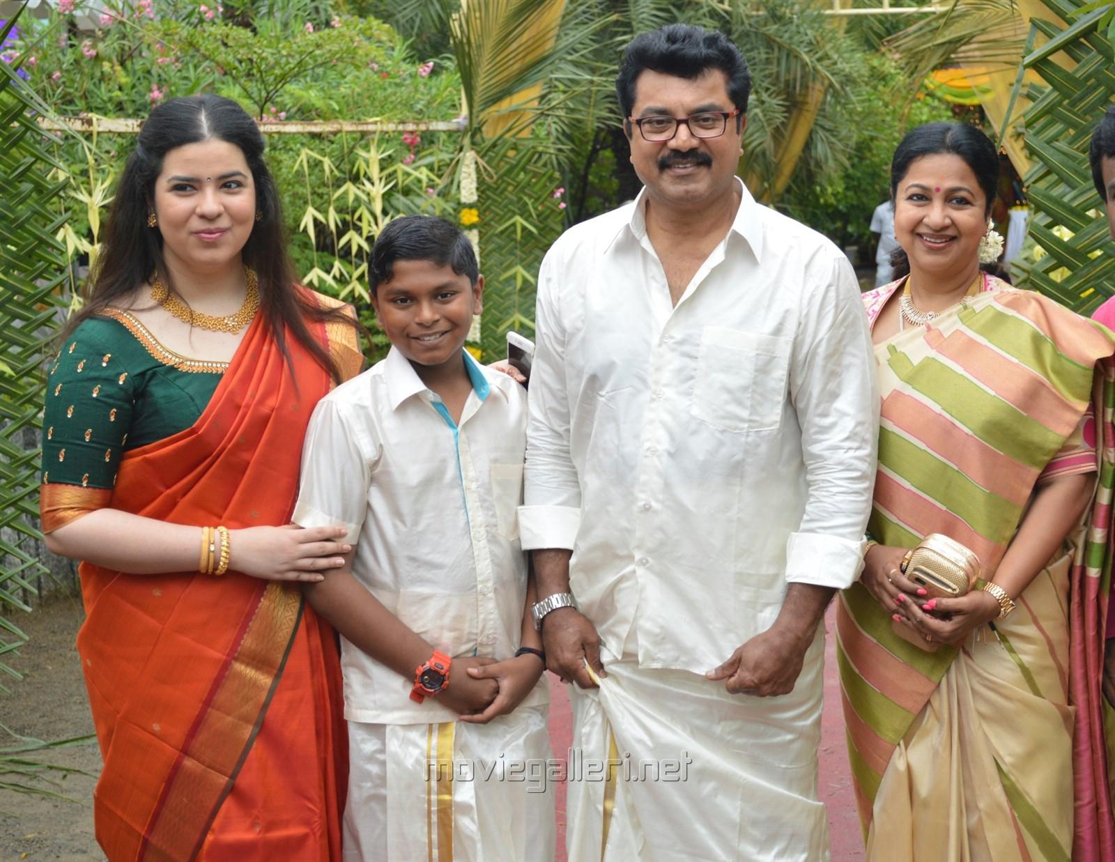 picture 920421 sarathkumar radhika shanthanu keerthi