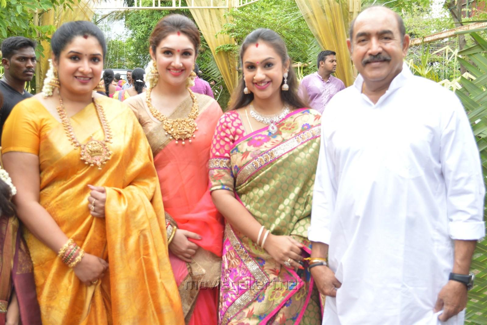 Preetha Vijayakumar preetha vijayakumar family photos