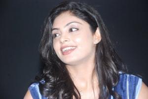 shikha_tamil_actress_hot_stills_1396