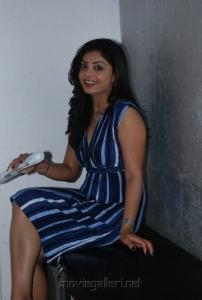 shikha_tamil_actress_hot_stills_1847