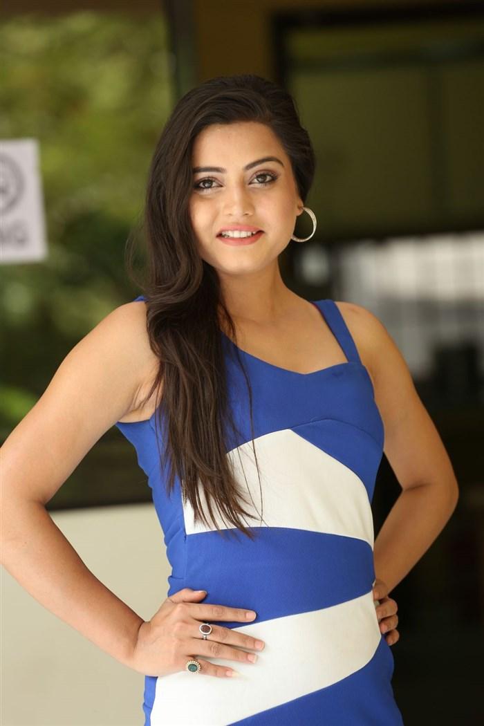 Heroine Shipra Gaur New Pics