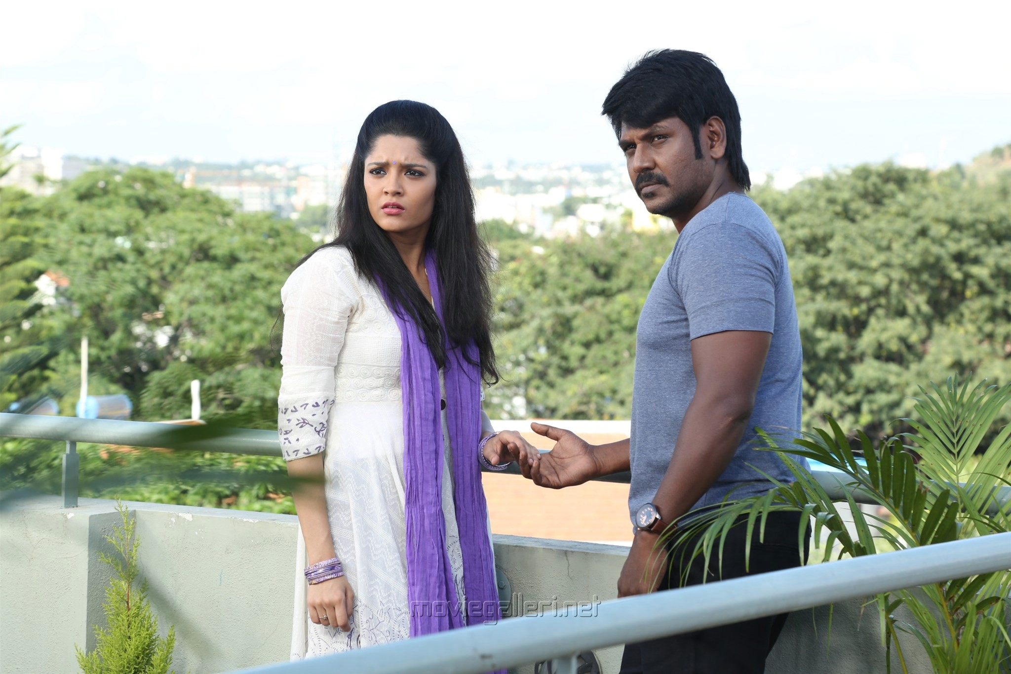 Ritika Singh, Raghava Lawrence in Shivalinga Movie Stills