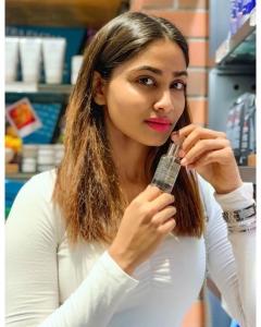 Actress Shivani Narayanan New Photoshoot Images