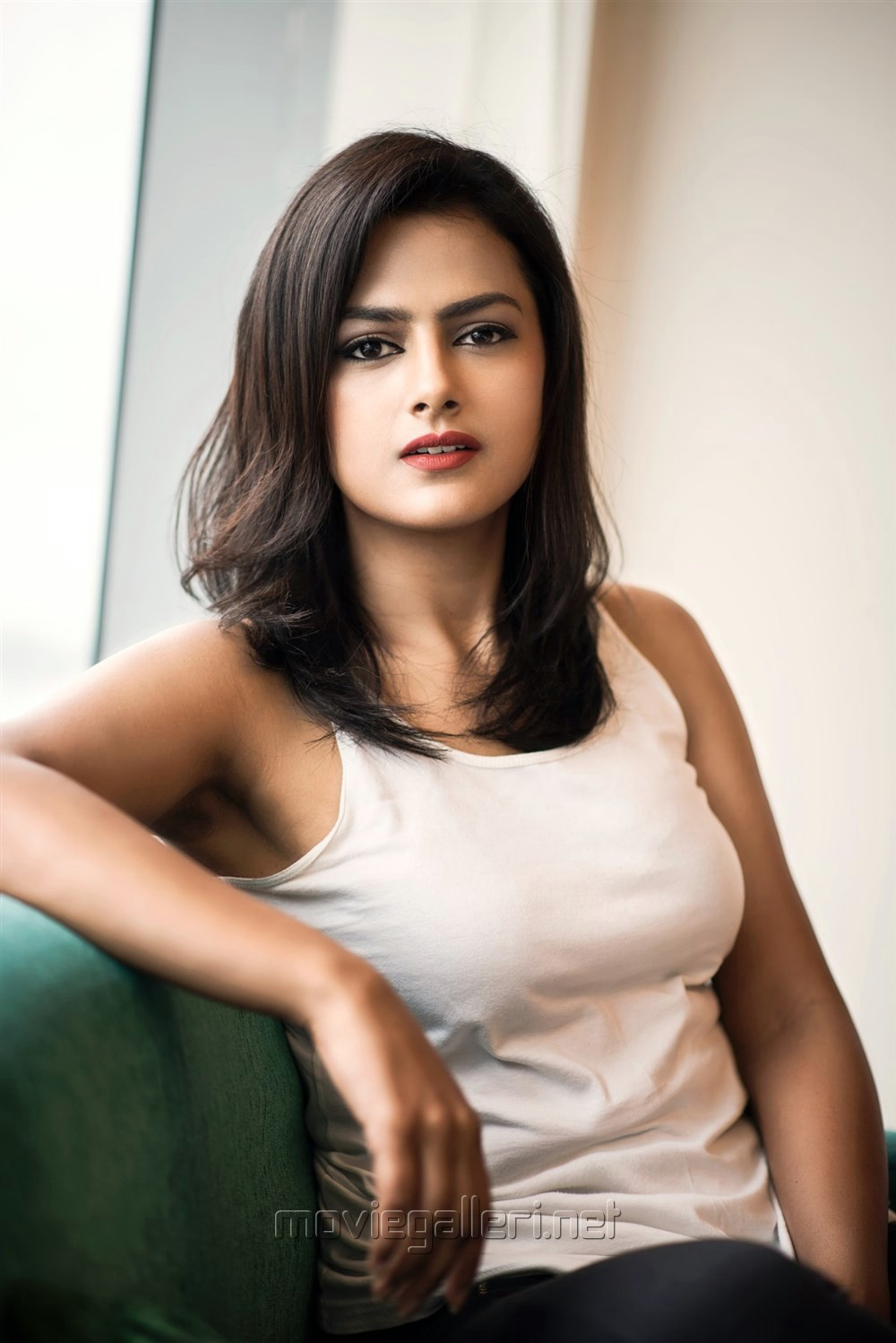 Tamil Actress Shraddha Srinath Hot Photoshoot Pics