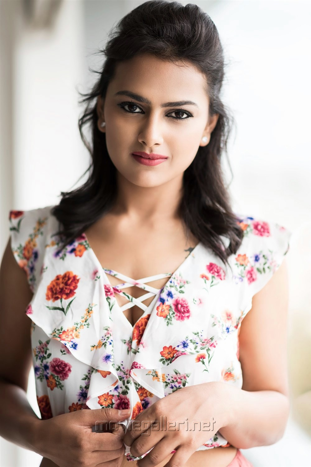 Actress Shraddha Srinath Photoshoot Pics