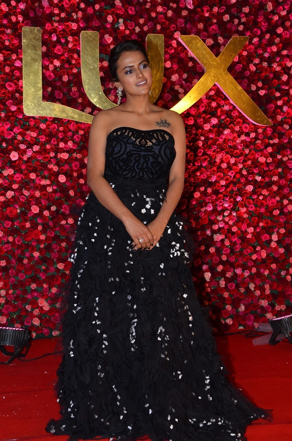 Actress Shraddha Srinath New Images @ Zee Telugu Cine Awards 2020 Red Carpet