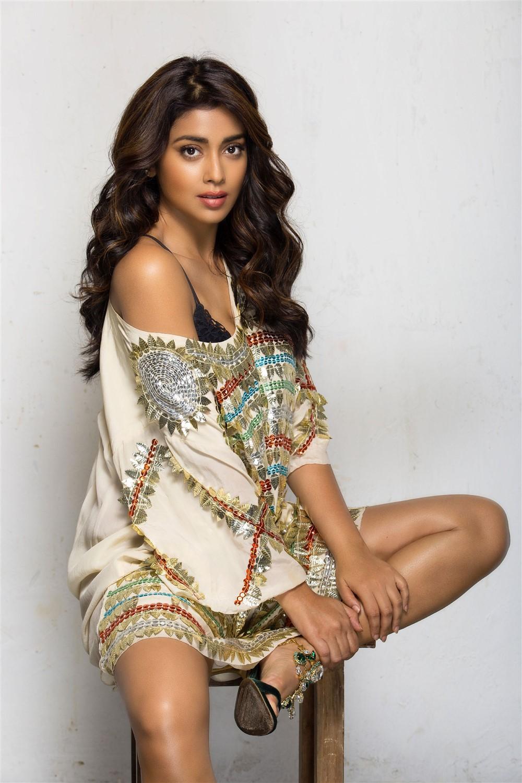 Actress Shriya Saran Recent Photoshoot Pics