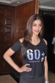 Shruti Haasan Black T Shirt Tight Thermal Pant Photos