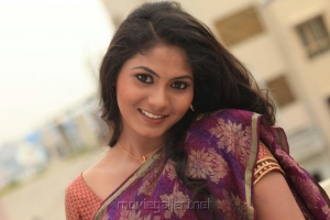 Actress Shruthi Reddy Photo Shoot Pics