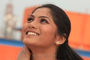Actress Shruti Reddy Photo Shoot Pics