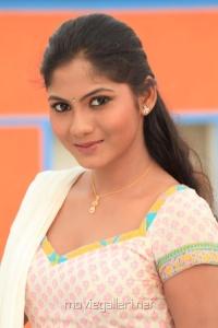 Actress Sruthi Reddy Hot Photo Shoot Pics