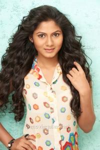 Tamil Actress Shruthi Reddy Latest Photo Shoot Stills