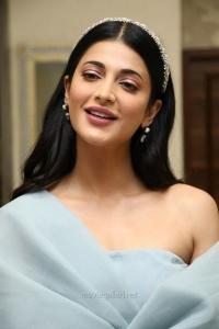 Actress Shruti Hassan HD Pictures @ Frozen 2 Tamil Press Meet