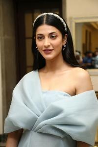 Actress Shruti Haasan HD Pictures @ Frozen 2 Tamil Press Meet