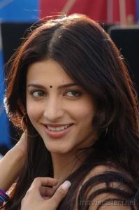 Shruti Hassan Cute Stills