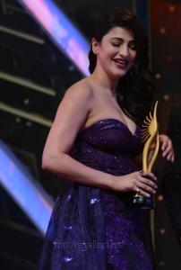 Actress Shruti Haasan Hot Pics @ IIFA Utsavam Awards 2016