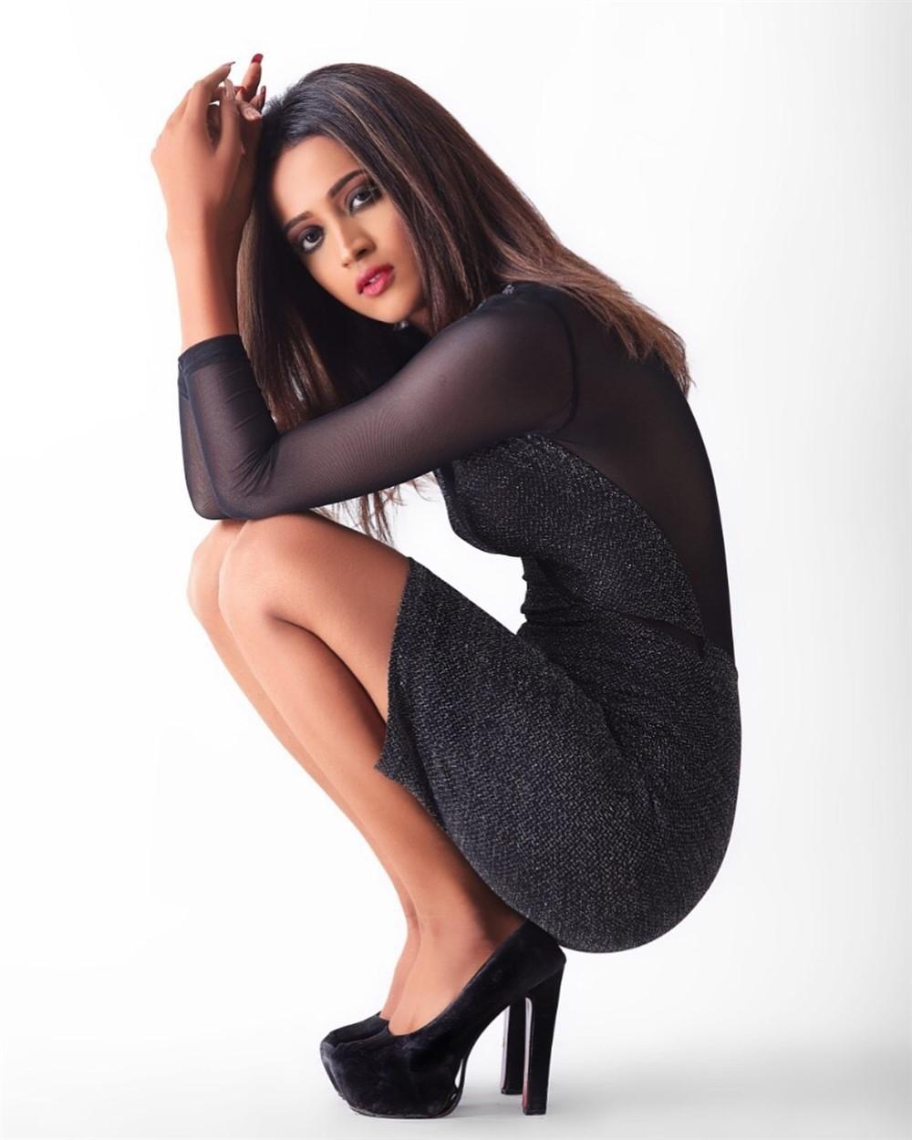 Actress Shruti Sharan Shetty Photoshoot Images