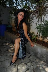 Shweta Bhardwaj Hot Photo Shoot Pics