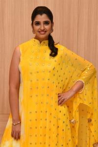 Anchor Shyamala New Photos @ Manchi Rojulochaie Characters Launch
