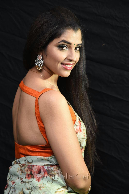 Anchor Shyamala Saree Hot Photos @ Kavacham Movie Audio Launch
