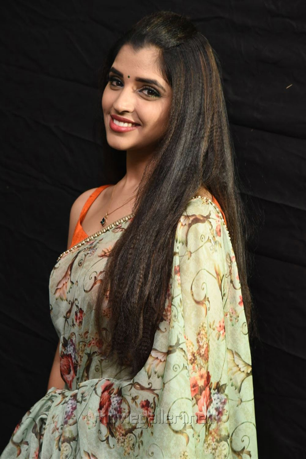 Anchor Syamala Saree Photos @ Kavacham Movie Audio Launch
