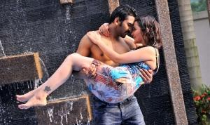 Mogalirekulu Sagar, Ragini Nandwani in Siddhartha Movie Hot Stills