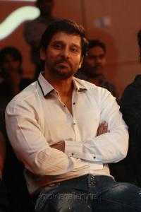 Chiyaan Vikram at South Indian International Movie Awards 2012 Photos