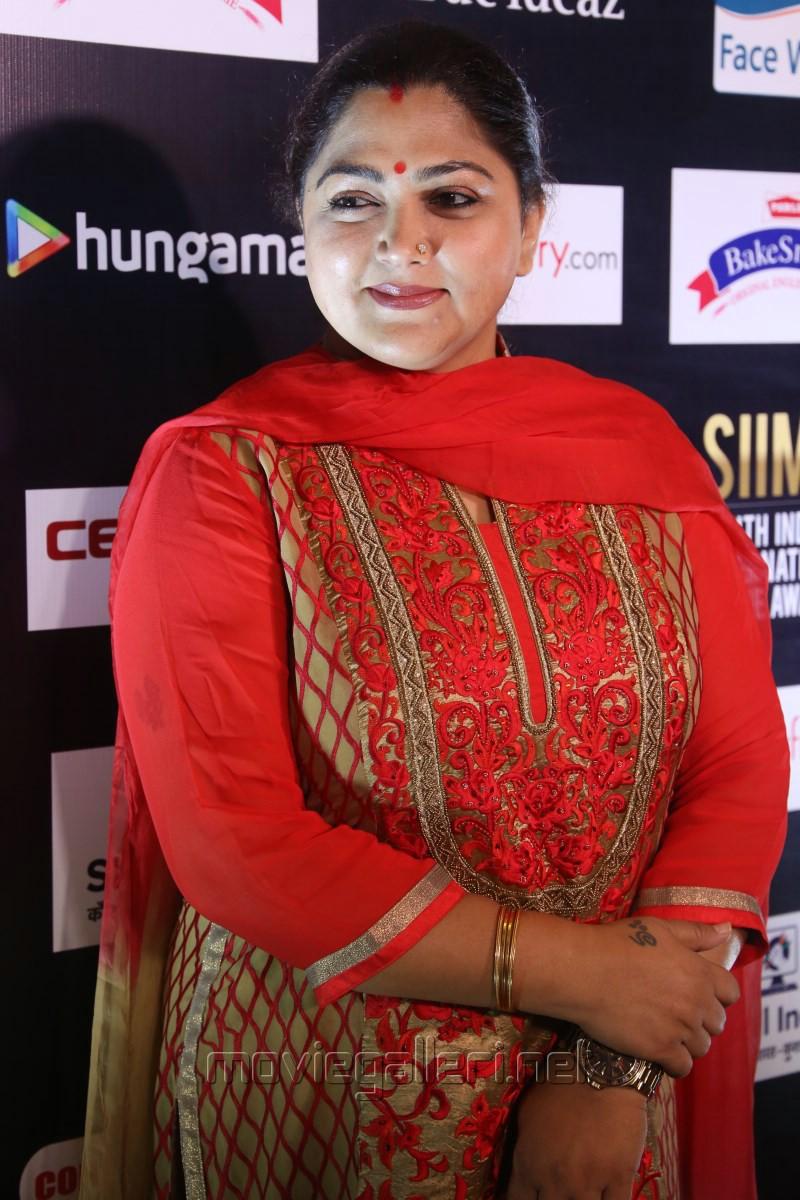 Kushboo Tamil Hot Top picture 1043616   actress kushboo sundar @ siima 2016 press meet
