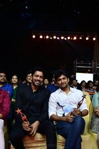 Actor-Allari-Naresh-and-Nani-at-SIIMA-2021-Awards-Function