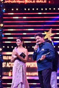 Devaraj-won-Best-Actor-In-A-Supporting-Role-award-for-Yajamana-movie-@-SIIMA-Awards-2021