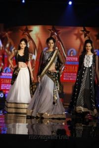 Bindu Madhavi ramp walk at SIIMA 2012 Fashion Show