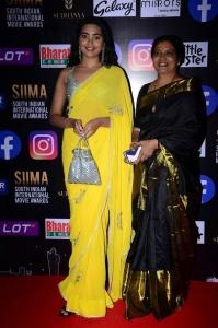Jeevitha, Shivathmika Rajashekar @ SIIMA Awards 2021 Red Carpet Day 1 Photos