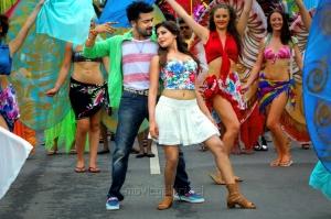 Suriya, Samantha Ruth Prabhu in Sikandar Telugu Movie Stills
