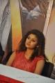 Actress Oviya at Sillunu Oru Sandhippu Press Meet Stills