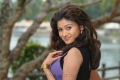 Actress Oviya in Sillunu Oru Sandhippu Photos