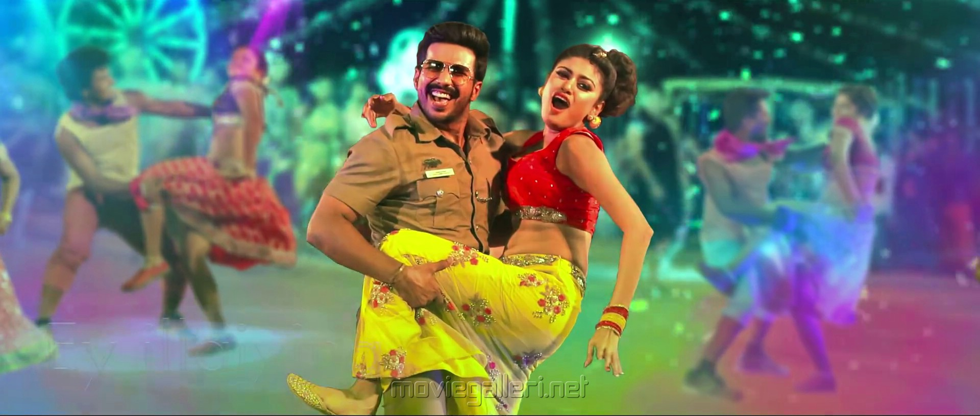 Vishnu Vishal, Oviya in Silukkuvarupatti Singam Movie Item Song Stills HD