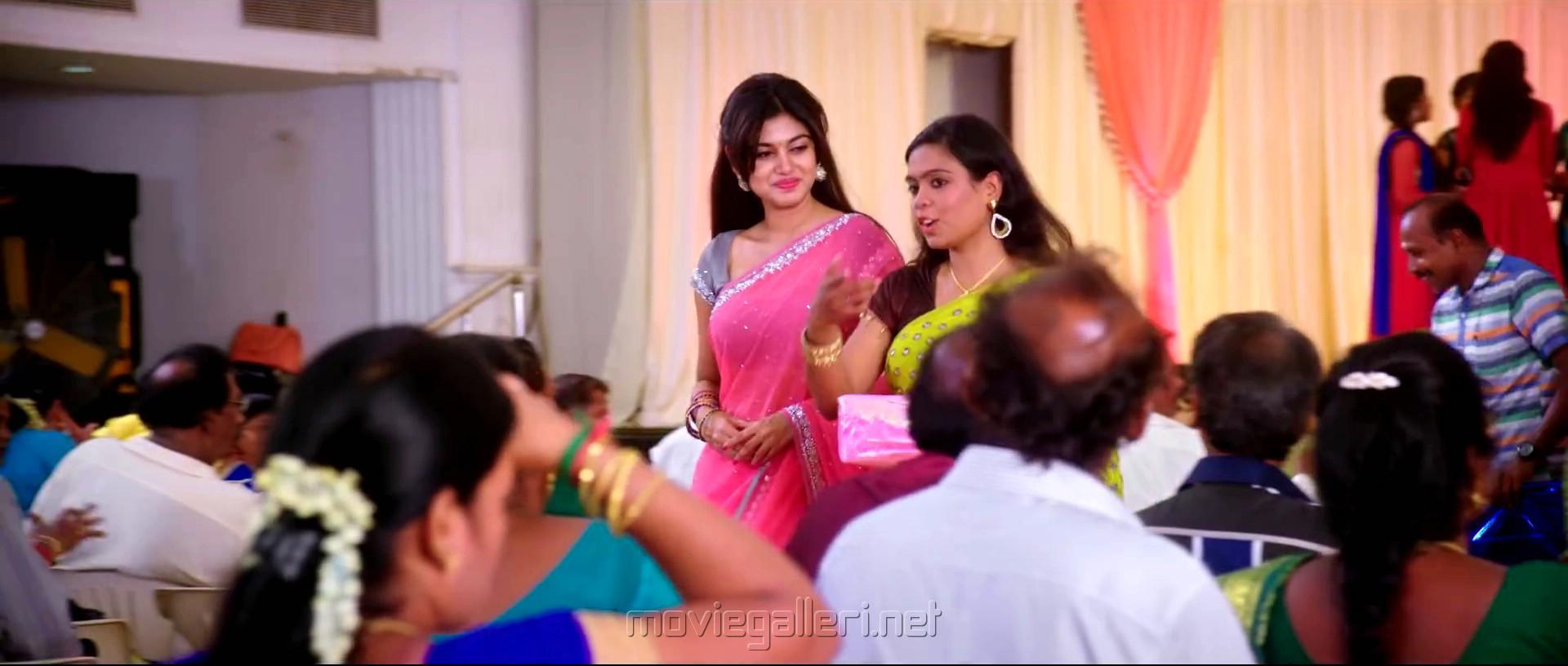 Actress Oviya in Silukkuvarupatti Singam Movie Stills HD