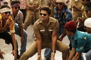 Simbu Dancing in Osthi Movie