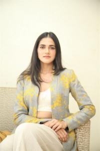 Neetho Movie Heroine Simran Choudhary New Stills