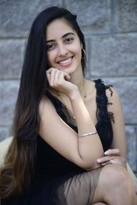 Dirty Hari Movie Heroine Simrat Kaur Images
