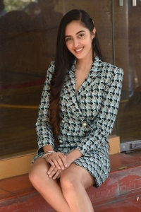 Actress Simrat Kaur Pics @ Dirty Hari Movie Trailer Launch