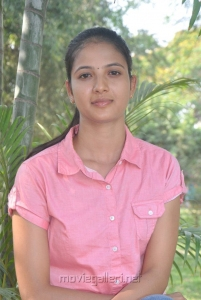 Actress Sindhu Reddy Photos @ Moodar Koodam Press Meet