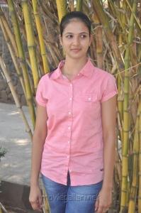 Tamil Actress Sindhu Reddy Cute Photos
