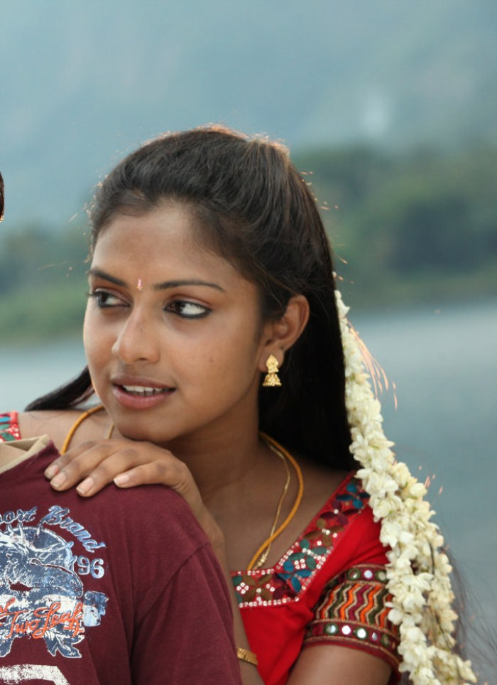 Amala Paul Hot Stills in Sindhu Samaveli [ Gallery View ]