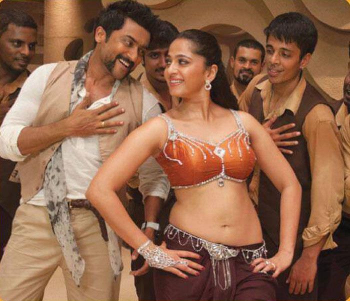 Suriya, Anushka Hot In Singam 2 Movie