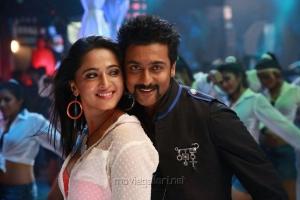 Anushka, Suriya in Singam 2 Movie Latest Stills