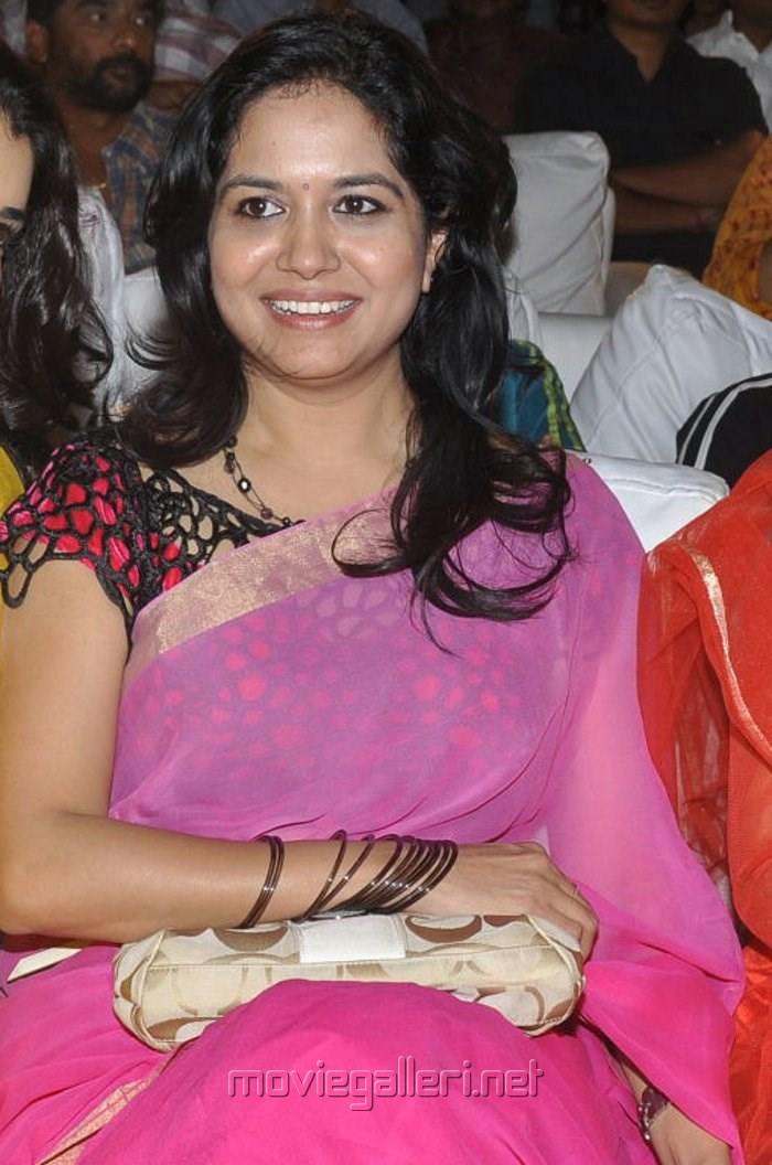Picture 461172  Telugu Playback Singer Singer Sunitha Hot Pink Saree Pics  New Movie -6222